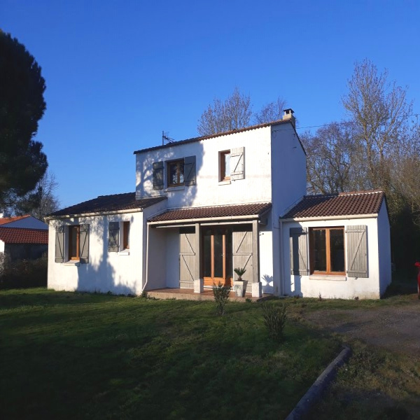 Offres de vente Maison de village La Garnache 85710